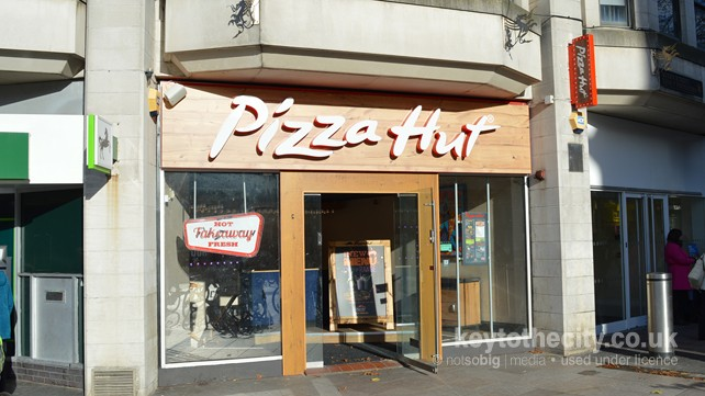 Pizza Hut 3 Queen Street Cardiff Cardiff Restaurant